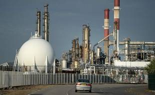 La raffinerie Total de Donges, confrontée à la grève de son personnel, le 25 mai 2016. JS Evrard/AFP