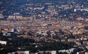 La métropole que le gouvernement veut mettre en place pour redresser Marseille fait figure d'épouvantail pour les intercommunalités voisines qui, soucieuses de leurs deniers comme de leurs prérogatives, renvoient l'Etat à ses responsabilités.