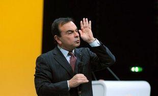"""Le PDG de Renault, Carlos Ghosn, a proposé """"le report de 30% de sa part variable de l'année 2012 au 31 décembre 2016"""" si un accord de compétitivité est signé en France, a annoncé jeudi le constructeur automobile français, confirmant une information des Echos."""