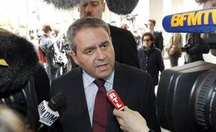 """L'UMP va devoir définir """"quelle opposition incarner"""", après la """"défaite sévère"""" de dimanche, et il ne s'agira pas de """"faire la critique pour la critique"""", a déclaré lundi l'ancien ministre du Travail, Xavier Bertrand."""