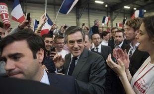Le candidat à la présidentielle Les Républicains François Fillon lors d'un meeting à Nantes le 27 mars 2017