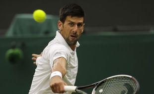 Novak Djokovic face à Adrian Mannarino, à Wimbledon