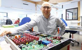 Roland D'Authier a installé une route solaire sur le toit de sa start-up Axid.