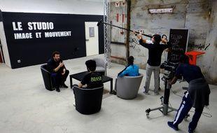 Le tournage de l'émission « Prison Breakfast » au sein de la prison des Baumettes.
