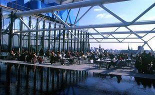 Le restaurant Le Georges au 6e étage du Centre Pompidou à Paris.