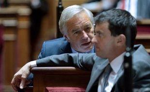 Francois Rebsamen et Manuel Valls le 16 octobre 2012 au Sénat
