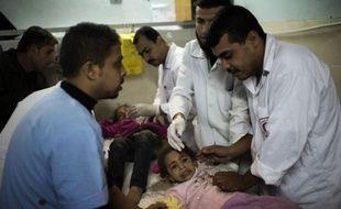 Trois enfants palestiniens, âgés de un à trois ans, ont été tués dans des raids sur Gaza dimanche matin, ont annoncé des sources médicales palestiniennes.