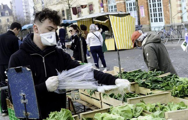 Vos questions sur le coronavirus: Faut-il nettoyer ses fruits, ses légumes et leurs emballages?