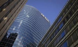 La France, la Belgique et le Luxembourg se sont mis d'accord pour relever à 55 milliards d'euros au lieu de 45 leur garantie temporaire à Dexia, a confirmé mercredi la Commission européenne.