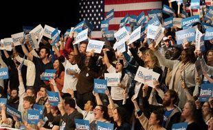 Des électeurs de Bernie Sanders, le 4 février 2020 dans l'Iowa.