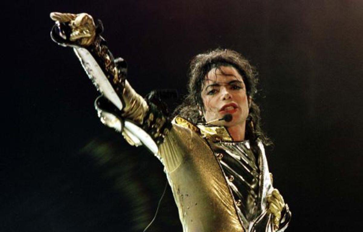 Michael Jackson, lors de sa tournée mondiale «HIStory world tour», à Vienne en juillet 1997. – Leonhard Foeger / REUTERS
