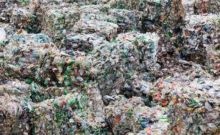 Des bouteilles en plastique dans une usine de recyclage en Russie le 29 novembre 2019.