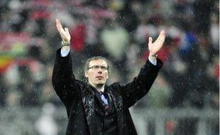 Laurent Blanc salue le public après la victoire de Bordeaux à Munich, le 3 novembre.