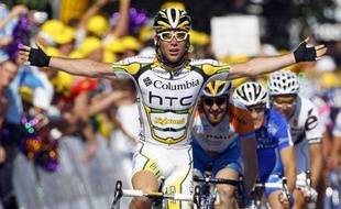 Cavendish vainqueur lors de la 2e étape du Tour 2009 entre Monaco et Brignoles, le 5 juillet 2009.