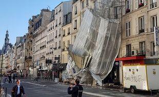 Un échafaudage s'est affaissé à Paris
