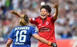 Excellente jeudi, Saki Kumagai peut savourer ce sacre européen avec Sarah Bouhaddi, qui a enfin stoppé sa malédiction dans l'épreuve des tirs au but.