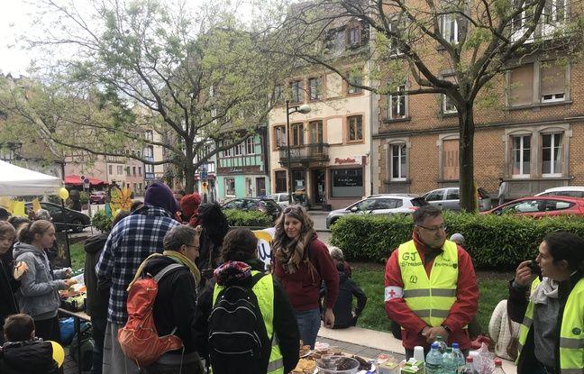 La kermesse des « gilets jaunes » de Strasbourg, place de Zurich.