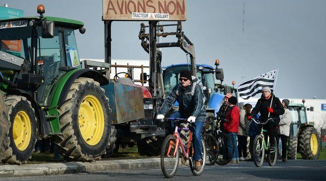 Parmi la foule de manifestants ce 27 février, de nombreux tracteurs, sur les quatre voies coupées à la circulation. AFP – JS Evrard/20Minutes