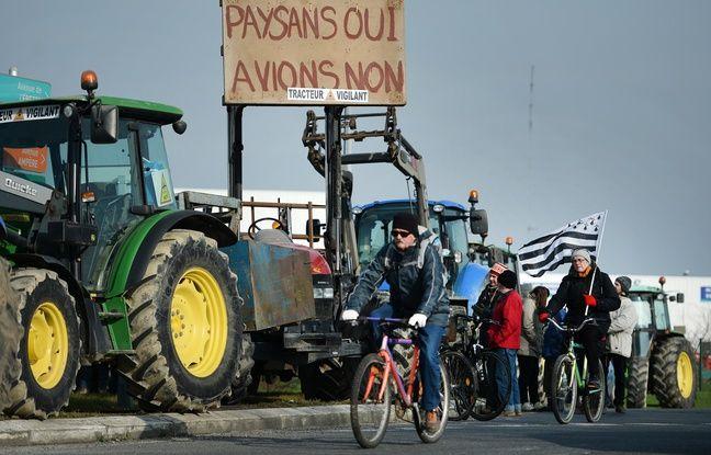 Parmi la foule de manifestants ce 27 février, de nombreux tracteurs, sur les quatre voies coupées à la circulation. AFP - JS Evrard/20Minutes