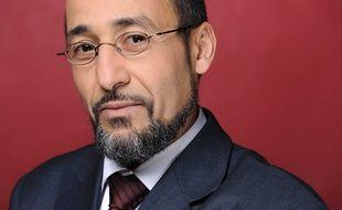 Le grand imam de Bordeaux Tareq Oubrou vient de publier un livre.