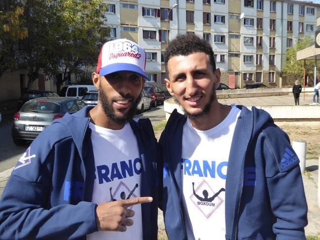 Mohamed Mimoune et Sofiane Oumiha le 24 septembre lors de l'inauguration de la salle du club Boxoum, place Papus.