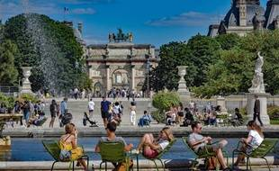 Au jardin des Tuileries un jour de beau temps.