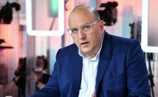 Julien Dray, vice-président PS au conseil régional d'Ile-de-France, sur France 5 dans l'émission C Politique le 14 juin 2015 à Paris.