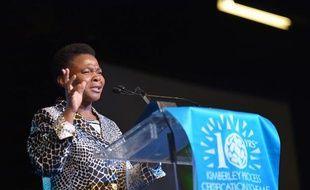 """L'Afrique du Sud va donner """"sous peu"""" le coup d'envoi légal pour l'exploration du gaz de schiste, a confirmé mardi la ministre sud-africaine des Mines Susan Shabangu, lors d'une grande conférence minière au Cap."""
