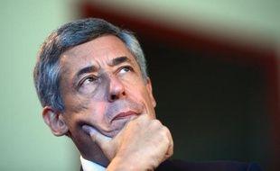"""Henri Guaino, député UMP des Yvelines, s'est déclaré, jeudi sur RTL, """"effaré"""" par les révélations de liens de proximité entre le juge Jean-Michel Gentil, qui a mis en examen Nicolas Sarkozy dans le dossier Bettencourt, et un médecin expert dans ce dossier."""