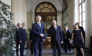 L'Italie et la France se sont engagées mardi à trouver une issue positive à la crise née entre les deux pays