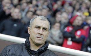 Alain Casanova, l'entraîneur toulousain, lors d'un Lille - TFC, le 24 novembre 2013 en Ligue 1.