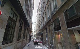 Un périmètre de sécurité a été installé rue Giuseppe Verdi à Lyon