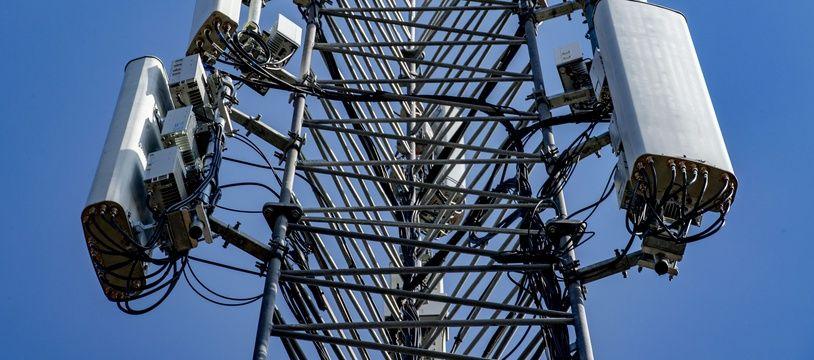 Illustration. Antennes relais.