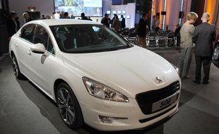 La Peugeot Ion, voiture électrique présentée le 28 juillet 2010 au siège de PSA, à Paris.