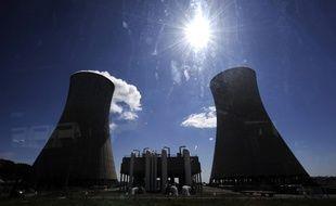 La centrale de Tricastin, au nord d'Avignon, est la troisième plus vieille centrale nucléaire française.