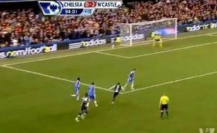 Capture d'écran du but de Papiss Cissé de Newcastle contre Chelsea le 3 mai 2012.