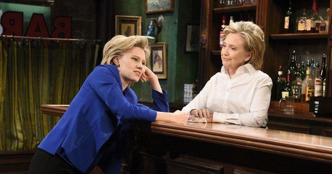 Hillary Clinton participe à un sketch avec une comédienne grimée en elle, dans l'émission