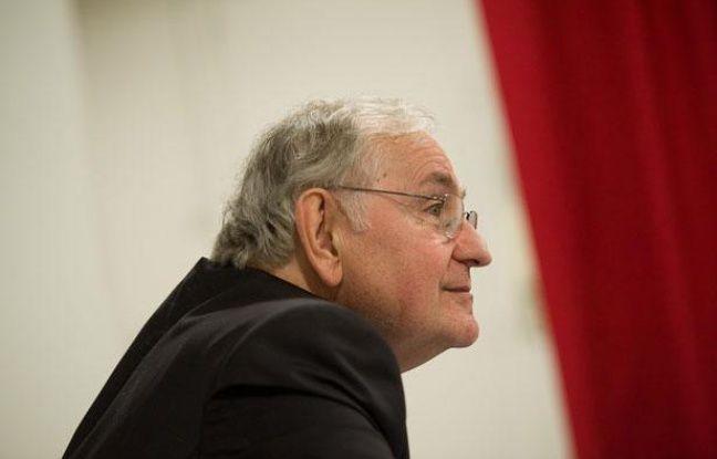 Jacques Cheminade, candidat de Solidarité et Progrès à l'élection présidentielle, le 31 janvier 2012 à Paris.