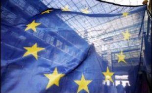 """La """"Journée de l'Europe"""" revêt cette année une connotation particulière, notamment en France un an après le """"non"""" retentissant à la Constitution européenne qui, suivi peu après par les Néerlandais, avaient plongé l'Europe dans une crise d'identité dont elle ne s'est pas encore remise."""