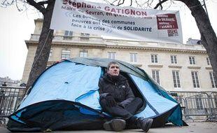 Stéphane Gatignon, maire EELV de Sevran, le 12 novembre 2012  devant l'Assemblée Nationale à Paris.