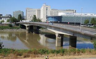 La Loire à Nantes, au niveau du pont Haudaudine, le 22 juillet 2019.