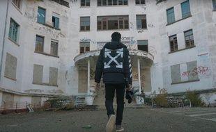 Le YouTubeur Anil B explore «L'hôpital de la meurtrière».
