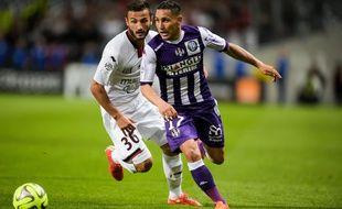 Adrien Regattin sous le maillot du TFC contre Nice au Stadium de Toulouse, le 23 mai 2015.