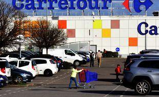 Le Tribunal de Commerce de Paris condamne Carrefour à verser 1,75 million d'euros pour pratiques restrictives de concurrence.