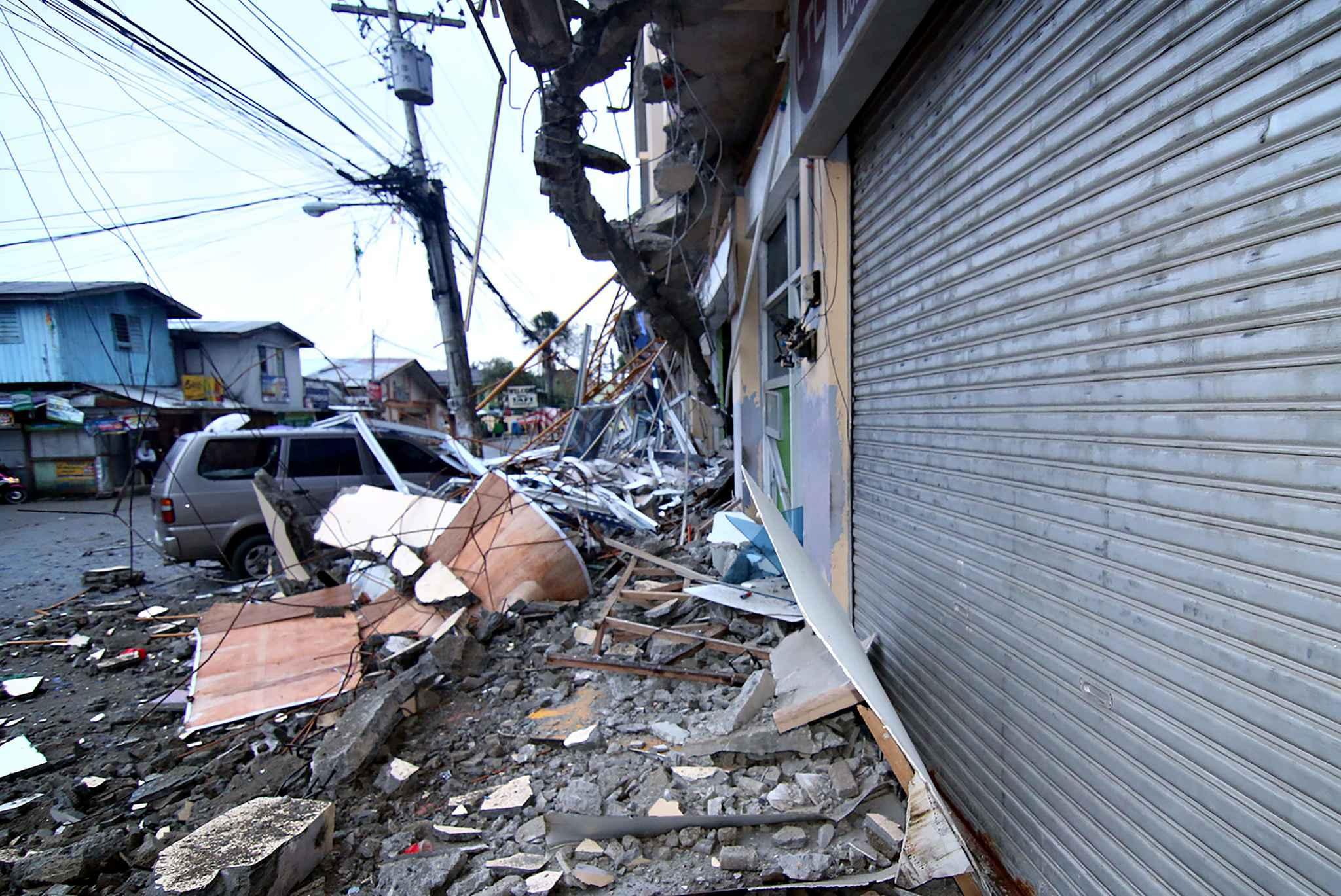 Six morts et une centaine de blessés dans un séisme — Philippines
