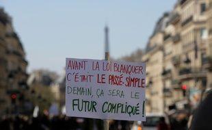 Des milliers d'enseignants d'écoles maternelles et élémentaires, de collèges et lycées ont défilé samedi 30 mars 2019 en France.