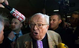 Le président d'honneur du Front national, Jean-Marie Le Pen a réitéré ses propos sur les chambres à gaz.