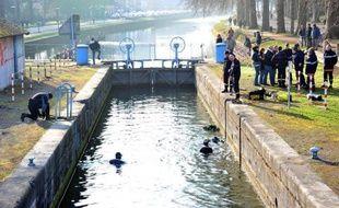 Le Préfet du Nord a annoncé mardi soir que les abords de la Deûle à Lille seraient sécurisés pendant la nuit du Nouvel An par une patrouille de CRS, afin de prévenir de nouvelles noyades, alors que cinq hommes ont déjà péri dans cette rivière depuis octobre 2010.