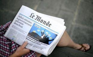 """Le quotidien Le Monde, dans son éditorial de Une daté de mardi, juge que François Hollande """"doit mettre fin aux fonctions"""" des deux ministres écologistes, Cécile Duflot et Pascal Canfin, au nom de la """"cohérence de son action et du respect des électeurs"""", après la décision d'Europe Ecologie-Les Verts (EELV) de rejeter le traité budgétaire européen."""