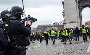Manifestation des gilets jaunes à Paris lors de l'acte 9 des «gilets jaunes».